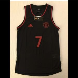 Manchester United basketball jersey Adult size: XS